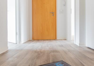 Wunderschön sanierte 2-Raum Wohnung zu vermieten !